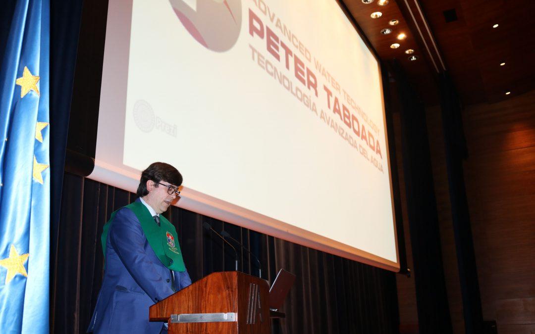 El Colegio Montecastelo concede la Beca de Honor a Peter Taboada